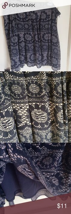 Gap navy flowered skirt Lined skirt in fantastic condition.  Color is a little difficult to see in pictures but the design is navy/cream.  Size says 18, but it fits more like a 16. GAP Skirts