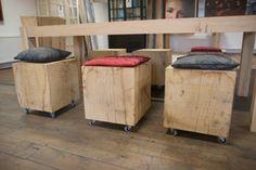 Leuke houten massieve eiken blokken voor zowel binnen als buiten. Geschikt om er op te zitten of als bijzettafel te gebruiken.