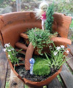 How to Turn Your Broken Flowerpots Into  Miniature Gardens: Use a Broken Plant Pot As a Base for a Living Miniature Garden
