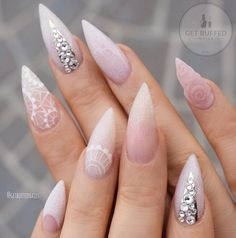 New Nails Stiletto Winter Posts Ideas Chic Nail Art, Chic Nails, Glam Nails, Fancy Nails, Stiletto Nails, Trendy Nails, Hair And Nails, My Nails, Spring Nail Trends