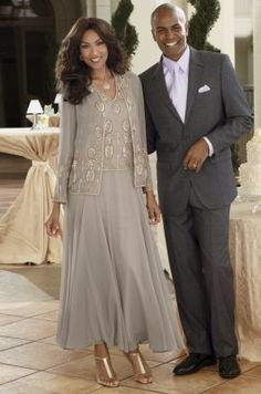 Mother of the bride 2 piece suit in champagne