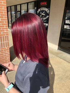 Burgundy Hair Dye, Dyed Red Hair, Dye My Hair, Magenta Red Hair, Hair Color Streaks, Hair Dye Colors, Hair Highlights, Red Hair Inspo, Red Hair Looks