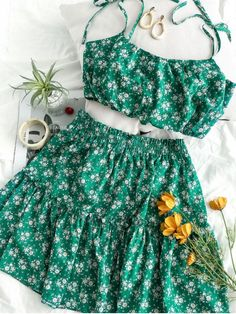Two Piece Outfits Girls Fashion Clothes, Teen Fashion Outfits, Cute Fashion, Skirt Fashion, Cute Girl Outfits, Girly Outfits, Cute Casual Outfits, Summer Outfits, Crop Top Outfits