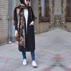Stylish Hijab, Casual Hijab Outfit, Hijab Dress, Iranian Women Fashion, Islamic Fashion, Muslim Fashion, Maxi Outfits, Modest Outfits, Fashion Outfits
