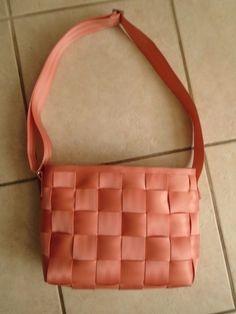 HARVEYS The Original Seatbelt Bag Peach Large Messenger Bag Purse #Harveys #MessengerCrossBody