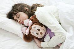 Hug and Dream<3      身体はすごく疲れているのに頭が冴えてなかなか眠りにつけない。そんな経験、ありませんか?そんなときに役立つのがこのミニーマウスのぬ...