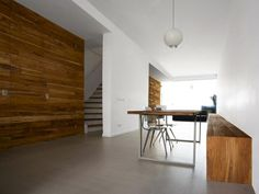 KÖK Archives - Page 12 of 16 - Stil Inspiration Timber Walls, Rustic Wood Walls, Timber Panelling, Wooden Walls, Wood Paneling, Wooden Accent Wall, Accent Walls, Brick And Wood, Contemporary Interior Design
