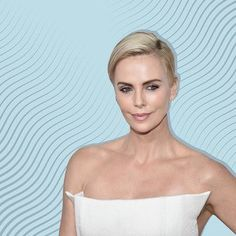 Charlize Theron's Stunning New Pixie Cut Is Proof She Can Rock Any Hairstyle New Hair Color Trends, New Hair Colors, Mushroom Hair, Hair Colour For Green Eyes, Charlize Theron, Pixie Cut, Hairstyle, Rock, Beauty