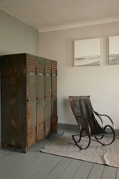 love to find this rocker frame and place my piece of leather on it. Industrial Lockers, Industrial House, Industrial Interiors, Industrial Chic, Industrial Furniture, Vintage Industrial, Industrial Design, Modern Rustic, Vintage Modern
