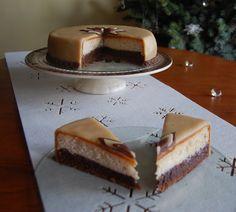 Tort orzechowo - migdałowy bez masy