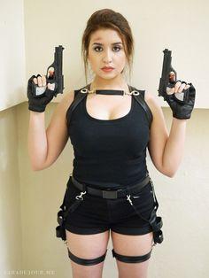 Lara Croft Tomb Raider Halloween Costume / Cosplay http://www.saradujour.me/2014/10/lara-croft-tomb-raider-halloween-costume-cosplay/