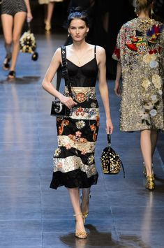 Dolce & Gabbana Runway Photos, Milan Spring Fashion Week 2016 - Pretty Skirt