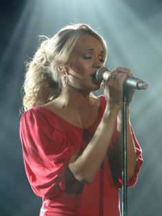One of my favorite female singers of all time.  Beautiful woman, person, musician, role model.