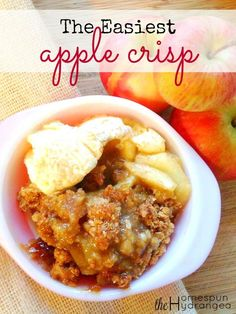 This is one of the easiest and most delish apple crisp recipes yet.
