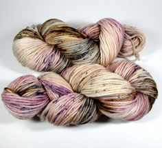This is a hand dyed hank of Worsted weight yarn in our Squish Like Grape base which is composed of 100% Superwash Merino wool. The yarn is extremely soft and springy. WEIGHT & YARDAGE: This hank conta