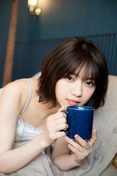 nanase nishino like Beautiful Japanese Girl, Japanese Beauty, Beautiful Asian Women, Korean Beauty, Asian Beauty, Asian Short Hair, Japan Girl, Body Poses, Portrait Inspiration