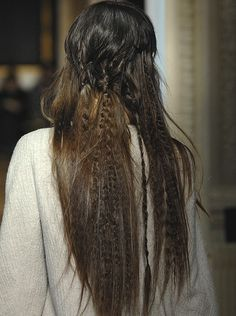This is the first time i've seen crimped hair and thought it was okay....