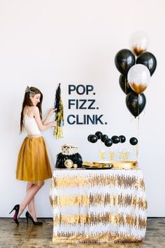 15 years of party decoration: discovering exciting ideas 14 Champagne Birthday, Champagne Party, Happy Birthday, Diy Birthday, Gold Birthday, Nye Party, Party Time, Christmas Pops, Happy Party