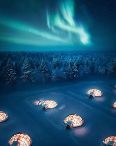 Imagine watching natural light show from these glass igloos Lapland Finland Fast Crazy Nature Deals. Finland Travel, Lapland Finland, See The Northern Lights, Glass Igloo Northern Lights, Northern Lights Canada, Unique Hotels, Luxury Hotels, Tromso, Destination Voyage
