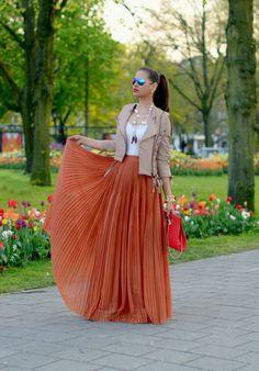 Tamara Chloe Style Clues: Orange for Queensday