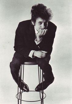 Bob Dylan, photo by Daniel Kramer Bob Dylan, Dylan Songs, Jazz, Travelling Wilburys, 60s Music, Blues Music, Joan Baez, New Poster, Popular Music