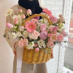 ꒰ 💌 ꒱┊𝚙𝚒𝚗𝚝𝚎𝚛𝚎𝚜𝚝: 𝚘𝚔𝚊𝚢𝚢𝚟𝚒𝚟 Twitter Header Aesthetic, Plants Are Friends, Floral Wreath, Wreaths, Flowers, Stuff Stuff, Floral Crown, Door Wreaths, Deco Mesh Wreaths