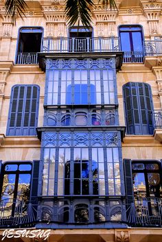 Beautiful architecture in Palma de Mallorca, Balearic Islands, Spain | jesusng via flickr