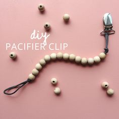 Diy neutral pacifier clip. Tutorial on myonlysunshineblog.com