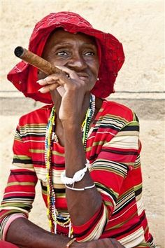 Reminds me of Havana! Woman in Red, Old Havana, Cuba by Hal Robert Myers We Are The World, People Around The World, Rose Croix, Havana Cuba, Interesting Faces, Photography Women, World Cultures, Belle Photo, Online Art Gallery