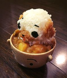 Puglie, whatchu doin' in all that curry?Amazing food art by Meowza!