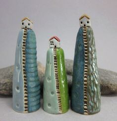 Items similar to Hilltop Cottage.Artsy Ring Holder in Stoneware. Pottery Houses, Ceramic Houses, Slab Pottery, Ceramic Pottery, Pottery Sculpture, Sculpture Clay, Stoneware Clay, Ceramic Clay, Kids Clay