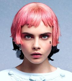 Cara Delevingne in Chanel Cruise Cara Delevingne, Short Hair With Bangs, Short Hair Styles, Temporary Face Tattoos, Pelo Pixie, Hair Magazine, Hair Today, Beauty Trends, Pink Hair