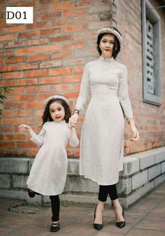 and baby muslim and baby hijab (notitle) und Baby Hijab (notitle) Vietnamese Traditional Dress, Vietnamese Dress, Ao Dai, Mom Daughter Matching Dresses, Mother Daughter Fashion, Mother Daughters, Daddy Daughter, Mother Son, Stylish Dresses For Girls