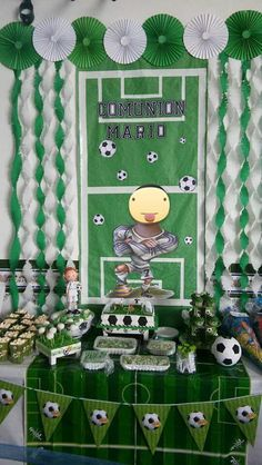 Sports Themed Birthday Party, Football Birthday, 50th Birthday Party, Boy Birthday, Hockey Party, Soccer Theme, Soccer Baby Showers, Newspaper Crafts, Ideas