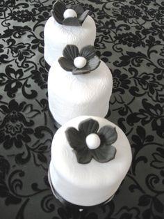 Mini Fondant Cakes