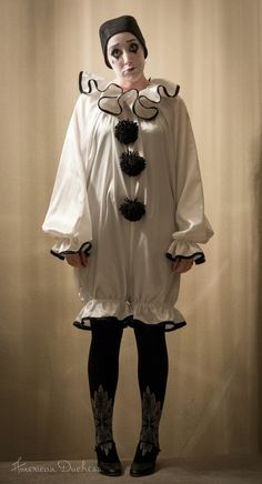 1920s Pierrot clown costume
