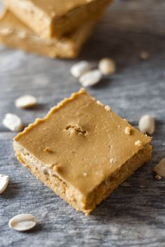 Peanut Butter and Jelly Protein Fudge (pumpkin puree, strawberry protein powder, PB2) | Healthy Helper