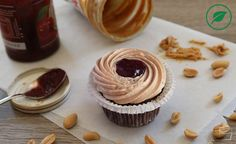 {Cupcake Monday} Peanutbutter & Jelly – vegan – | JENNY BACKT