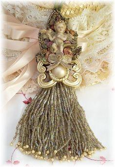 Victorian Cherub Tassel Elegant-