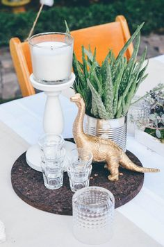 Annies garden wedding decor / succulents / Dinosaur / Decor Idear / Hochzeitsdeko / Sukulenten / Dinosaurier / Ikea / Wedding cake