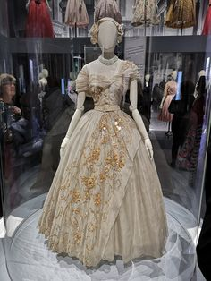 Dior Dress made for Princess Margaret for her Birthday. On display at the Christian Dior: Designer of Dreams exhibition at the Victoria and Albert museum. Wedding Dress Backs, Gorgeous Wedding Dress, Wedding Dress Sleeves, Colored Wedding Dresses, Beautiful Dresses, Gown Wedding, Dress Lace, Dress Red, Lace Wedding