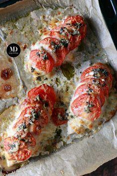 Pieczone piersi z kurczaka z mozzarellą i pomidorami   Moja Delicja Snack Recipes, Snacks, I Foods, Catering, Sushi, Chicken Recipes, Food And Drink, Low Carb, Lunch