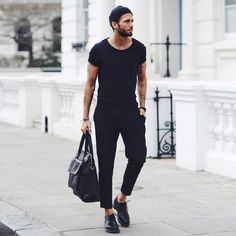 All black outfit for men best mens fashion, men fashion 2017 summer, fashio Mens Fashion Blog, Best Mens Fashion, Fashion Mode, Mens Fashion Suits, Fashion Styles, Fashion 2017, Fashion Advice, Fashion Menswear, Fashion Outfits