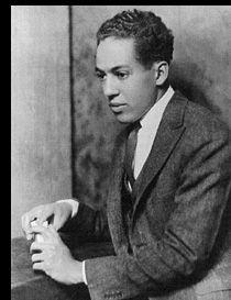 Harlem Renaissance intellectual and jazz poetry pioneer Langston Hughes Langston Hughes, Boris Vian, Afro, Vintage Black Glamour, Vintage Men, Most Popular Books, American Poets, Writers And Poets, Harlem Renaissance