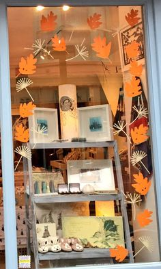Using two shop window sticker kits. The Leaf Scatter Kit in Orange but also Floating Seeds Scatter Kit in Cream (which the link will go to). They make a really great Autumn theme. Autumn Window Display Retail, Store Window Displays, Autumn Displays, Window Clings, Window Art, Window Ideas, Winter Looks, Charity Shop Display Ideas, Shop Ideas