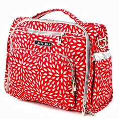 Ju-Ju-Be BFF diaper bag. I like the twill fabric best Designer Baby Bags, Changing Bag, Baby Diaper Bags, Diaper Bag Backpack, Kids Store, Baby Accessories, Baby Gear, Mom And Dad, Bag Making