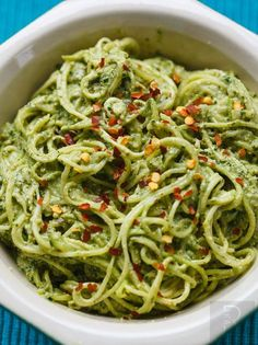 Courgetti might be one of the best edible inventions ver. It's easy to make, tastes good & you can hashtag it #eatclean on Instagram, what's not to love?