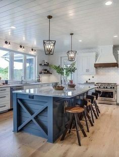 Home Remodeling Farmhouse Stunning 30 Elegant Farmhouse Kitchen Design Decor Ideas. - Farmhouse kitchen style will be perfect idea if you want to have family gathering in your kitchen during meal time. Home Decor Kitchen, Farmhouse Kitchen Decor, Kitchen Design Decor, Kitchen Remodel, Farmhouse Kitchen Island, Home Decor, Kitchen Island Design, Kitchen Style, Kitchen Renovation