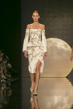 Özgür Masur - 2017 İlkbahar/Yaz Özgür Masur İlkbahar/Yaz 2017 defilesi Mercedes-Benz Fashion Week Istanbul kapsamında gerçekleşti.