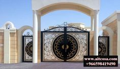 Fence Wall Design, Front Wall Design, House Main Gates Design, Steel Gate Design, Iron Gate Design, Entrance Design, Entrance Gates, House Design, Gate Designs Modern